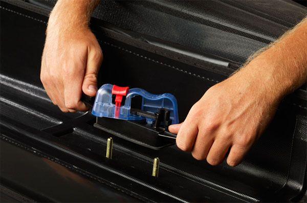Nero AirPods Case Protective 7 in 1 GeekerChip Silicone Skin Custodia with borsa da viaggio Accessori Kit for AirPods